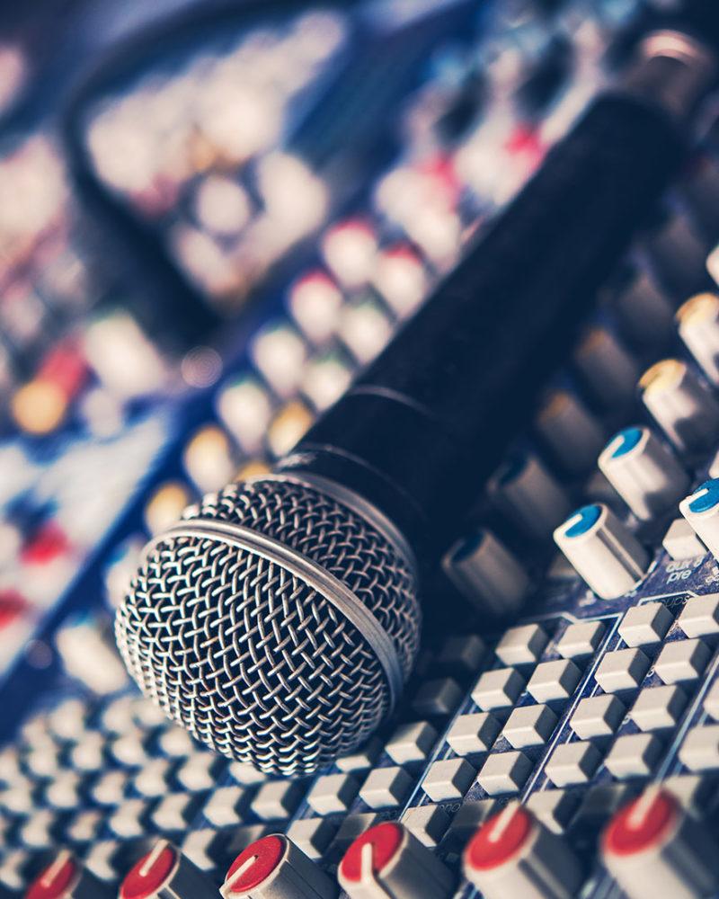 Ozvučení, světla a podia na akce